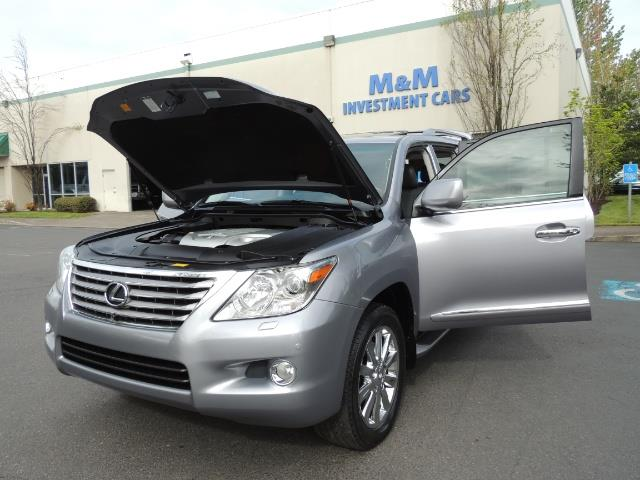 2010 Lexus LX 570 / AWD / Navi / Backup / Third Seat / 1-OWNER - Photo 25 - Portland, OR 97217