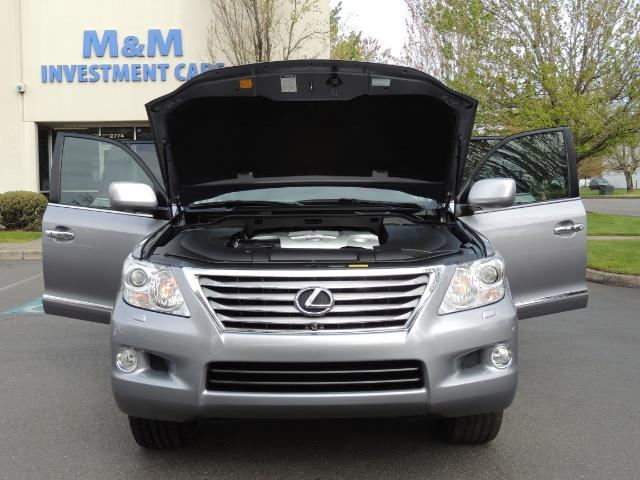 2010 Lexus LX 570 / AWD / Navi / Backup / Third Seat / 1-OWNER - Photo 31 - Portland, OR 97217