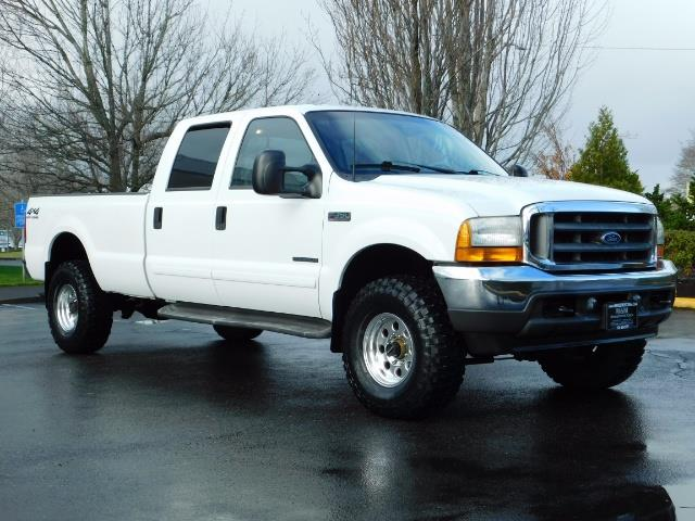 2001 Ford F-350 Super Duty Lariat / 4X4 / 7.3L DIESEL / LIFTED - Photo 2 - Portland, OR 97217