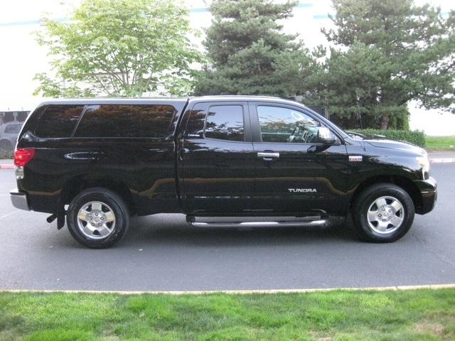 2007 Toyota Tundra LIMITED Double Cab 4X4 / Leather / Canopy / Black - Photo 7 & 2007 Toyota Tundra LIMITED Double Cab 4X4 / Leather / Canopy / Black