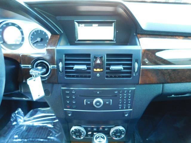 2011 Mercedes-Benz GLK GLK 350 4MATIC / 4WD / Panoramic Sunroof - Photo 20 - Portland, OR 97217