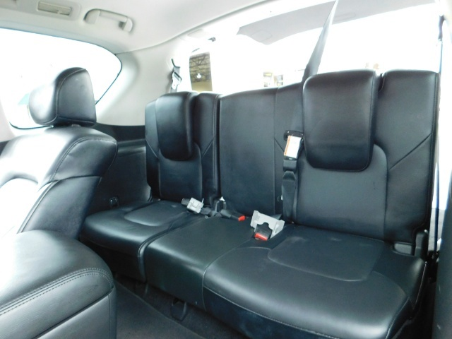 2012 Infiniti QX56 Sport Utility / 4WD / LOADED / 1-OWNER / Excel Con - Photo 16 - Portland, OR 97217
