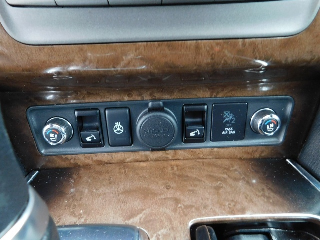 2012 Infiniti QX56 Sport Utility / 4WD / LOADED / 1-OWNER / Excel Con - Photo 38 - Portland, OR 97217