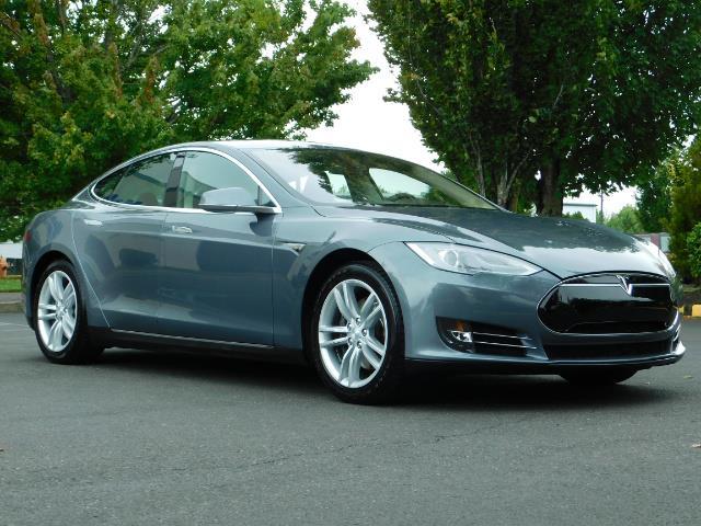 2013 Tesla Model S Tech Package / Smart Suspention / Leather / heated - Photo 2 - Portland, OR 97217