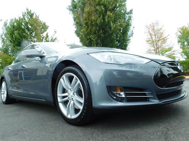 2013 Tesla Model S Tech Package / Smart Suspention / Leather / heated - Photo 10 - Portland, OR 97217