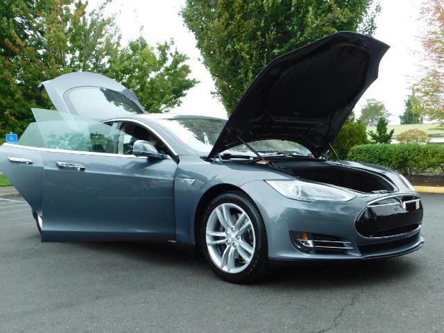 2013 Tesla Model S Tech Package / Smart Suspention / Leather / heated - Photo 30 - Portland, OR 97217