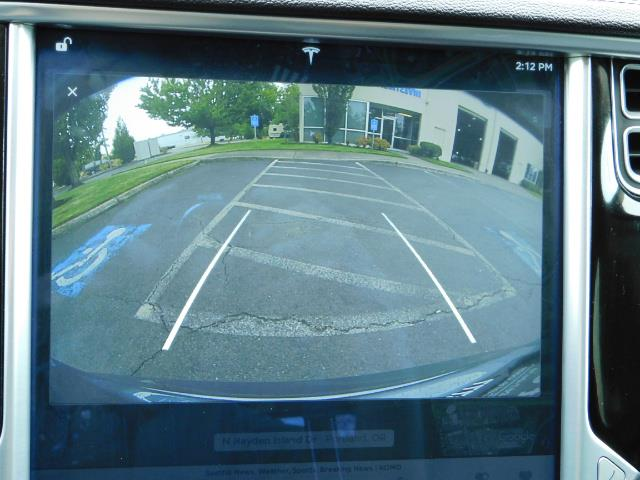 2013 Tesla Model S Tech Package / Smart Suspention / Leather / heated - Photo 20 - Portland, OR 97217