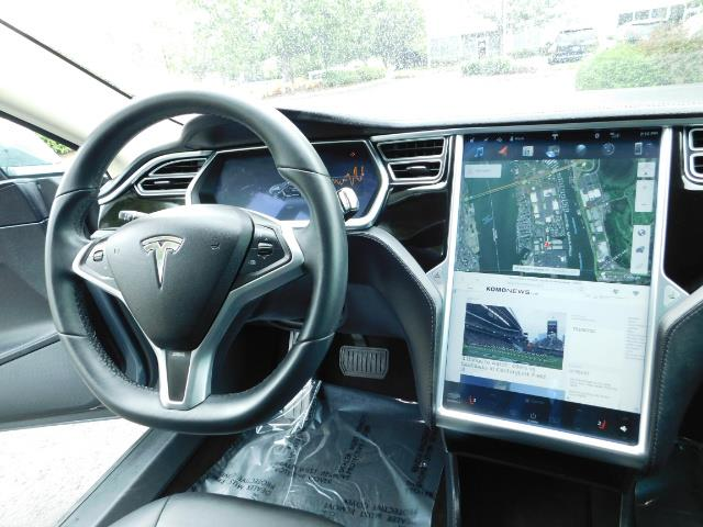 2013 Tesla Model S Tech Package / Smart Suspention / Leather / heated - Photo 19 - Portland, OR 97217