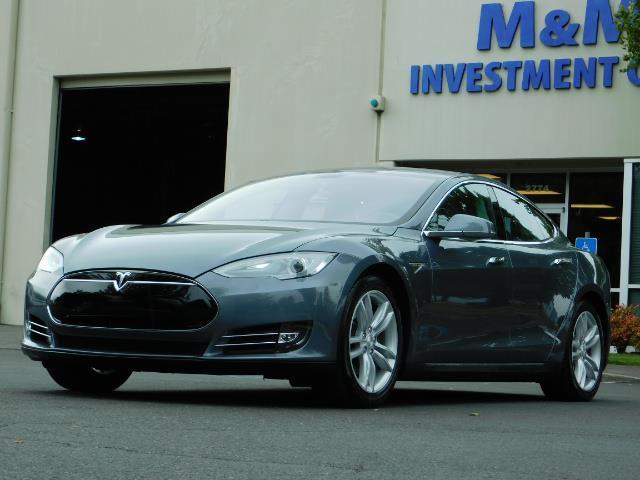 2013 Tesla Model S Tech Package / Smart Suspention / Leather / heated - Photo 1 - Portland, OR 97217
