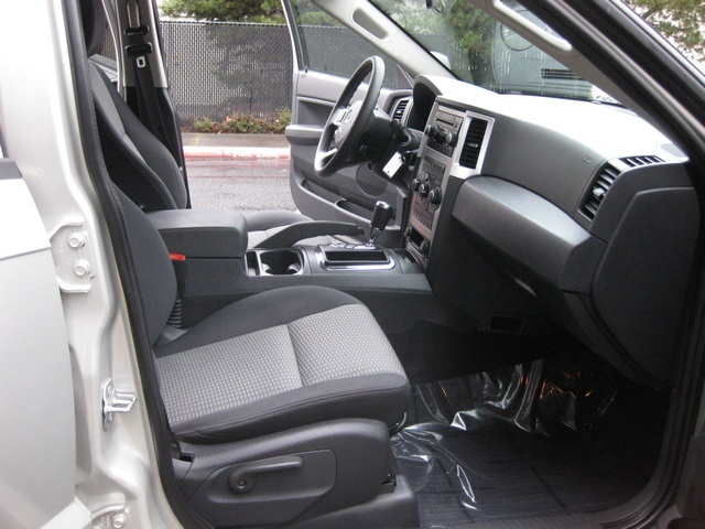 2008 Jeep Grand Cherokee Laredo/4WD/6yl /1-Owner/Excel Cond - Photo 22 - Portland, OR 97217