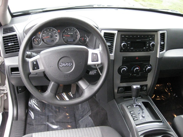 2008 Jeep Grand Cherokee Laredo/4WD/6yl /1-Owner/Excel Cond - Photo 26 - Portland, OR 97217