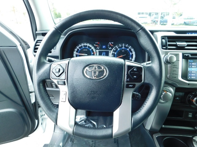 2016 Toyota 4Runner 4X4 V6 / NAVi / CAM / WARRANTY / LIFTED !! - Photo 33 - Portland, OR 97217