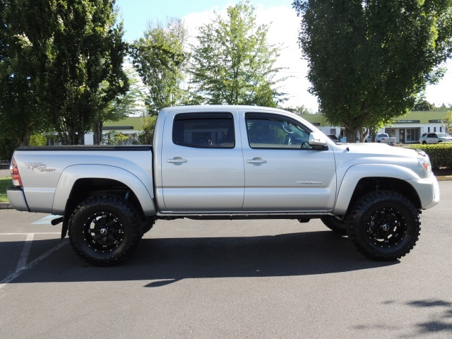 Lovely 2013 Toyota Tacoma V6 / 4X4 / TRD Sport Pkg / LIFTED LIFTED   Photo 4