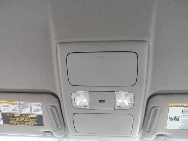 2014 Toyota Tacoma PreRunner V6 / Back up camera / 1-OWNER - Photo 36 - Portland, OR 97217