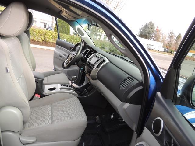 2014 Toyota Tacoma PreRunner V6 / Back up camera / 1-OWNER - Photo 17 - Portland, OR 97217