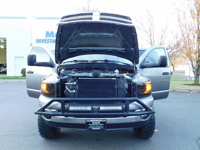 2006 Dodge Ram 2500 SLT Mega Cab / 4X4 / 5.9L Cummins Diesel / LIFTED - Photo 32 - Portland, OR 97217