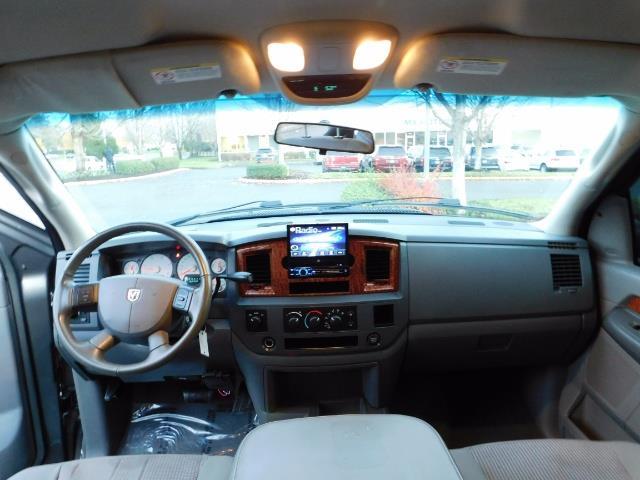 2006 Dodge Ram 2500 SLT Mega Cab / 4X4 / 5.9L Cummins Diesel / LIFTED - Photo 18 - Portland, OR 97217