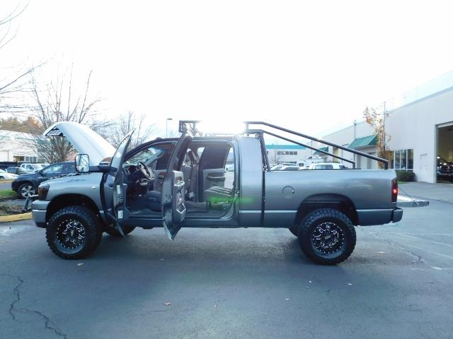 2006 Dodge Ram 2500 SLT Mega Cab / 4X4 / 5.9L Cummins Diesel / LIFTED - Photo 26 - Portland, OR 97217