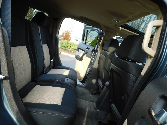2006 Hummer H3 4dr SUV / 4WD / Sunroof / LIFTED / MUD TIRES - Photo 16 - Portland, OR 97217
