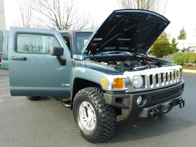 2006 Hummer H3 4dr SUV / 4WD / Sunroof / LIFTED / MUD TIRES - Photo 31 - Portland, OR 97217