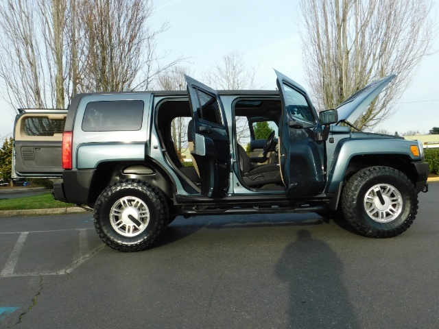 2006 Hummer H3 4dr SUV / 4WD / Sunroof / LIFTED / MUD TIRES - Photo 30 - Portland, OR 97217