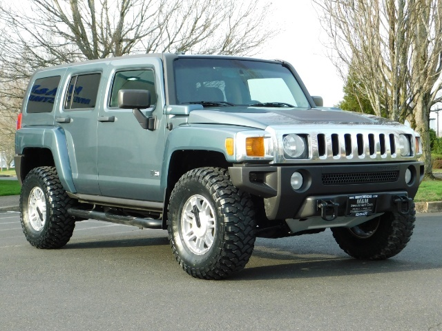 2006 Hummer H3 4dr SUV / 4WD / Sunroof / LIFTED / MUD TIRES - Photo 2 - Portland, OR 97217