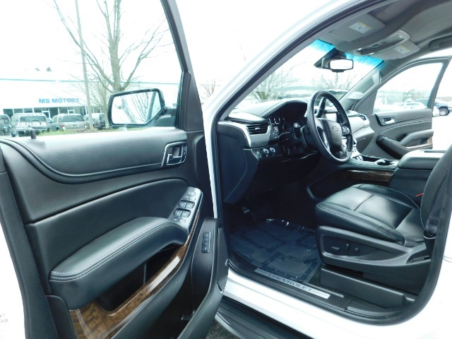 2017 Chevrolet Tahoe LT / 4WD / Third Seat / Naviagtion / Leather - Photo 13 - Portland, OR 97217