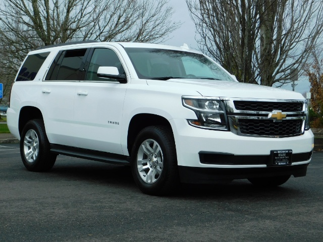 2017 Chevrolet Tahoe LT / 4WD / Third Seat / Naviagtion / Leather - Photo 2 - Portland, OR 97217