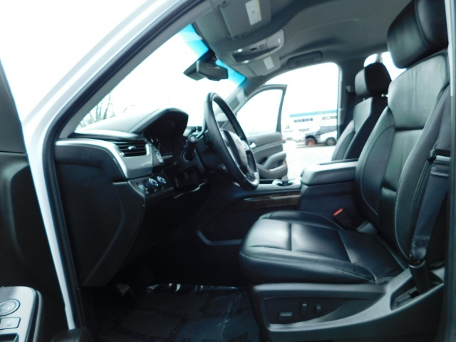 2017 Chevrolet Tahoe LT / 4WD / Third Seat / Naviagtion / Leather - Photo 14 - Portland, OR 97217