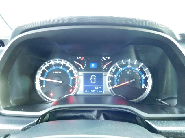 2016 Toyota 4Runner 4X4 V6 / NAVi / CAM / WARRANTY / LIFTED !! - Photo 38 - Portland, OR 97217