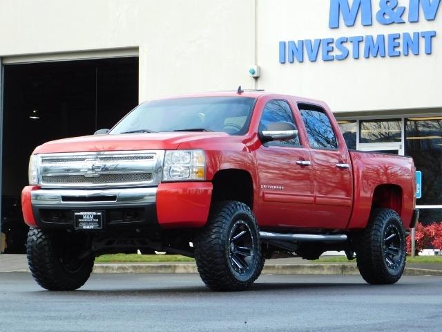 2009 Chevrolet Silverado 1500 LT / 4X4 / Crew Cab/ Leather/Sunroof /DVD/ LIFTED - Photo 1 - Portland, OR 97217