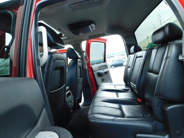 2009 Chevrolet Silverado 1500 LT / 4X4 / Crew Cab/ Leather/Sunroof /DVD/ LIFTED - Photo 15 - Portland, OR 97217
