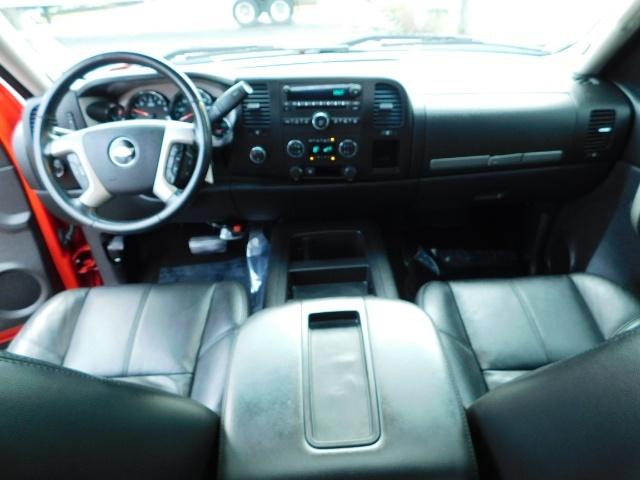 2009 Chevrolet Silverado 1500 LT / 4X4 / Crew Cab/ Leather/Sunroof /DVD/ LIFTED - Photo 40 - Portland, OR 97217