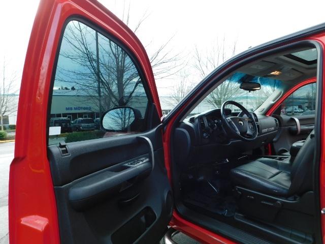 2009 Chevrolet Silverado 1500 LT / 4X4 / Crew Cab/ Leather/Sunroof /DVD/ LIFTED - Photo 13 - Portland, OR 97217