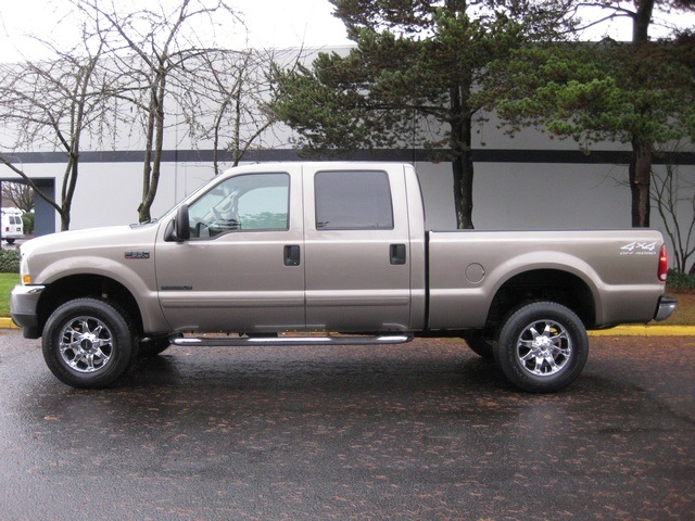 2002 Ford F-350 Crew Cab 4X4 LARIAT / 7.3L Turbo Diesel /LOW Miles - Photo 3 - Portland, OR 97217
