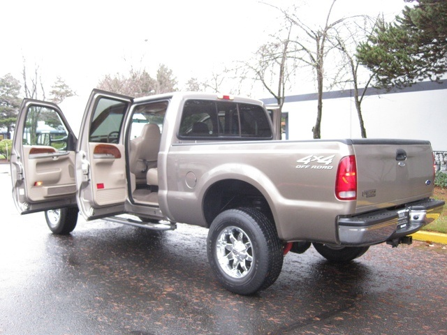 2002 Ford F-350 Crew Cab 4X4 LARIAT / 7.3L Turbo Diesel /LOW Miles - Photo 11 - Portland, OR 97217