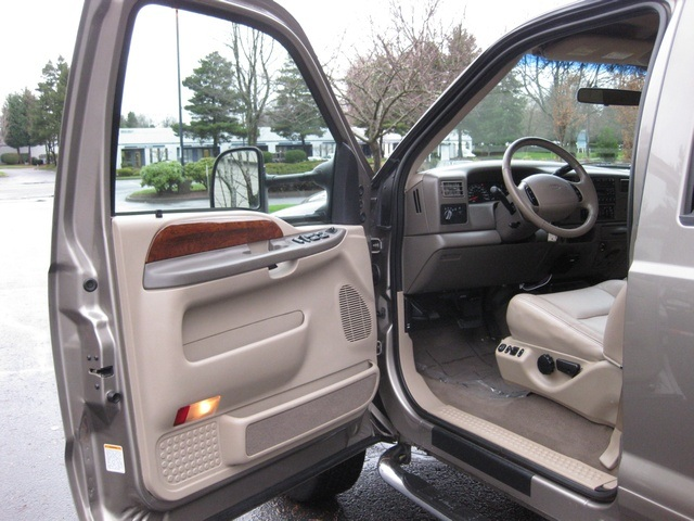 2002 Ford F-350 Crew Cab 4X4 LARIAT / 7.3L Turbo Diesel /LOW Miles - Photo 17 - Portland, OR 97217