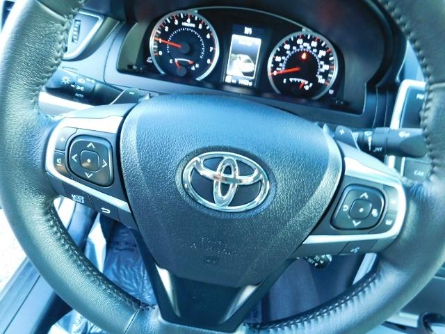 2017 Toyota Camry SE / 4DR Sedan / Backup camera / ONLY 14K MILES - Photo 35 - Portland, OR 97217