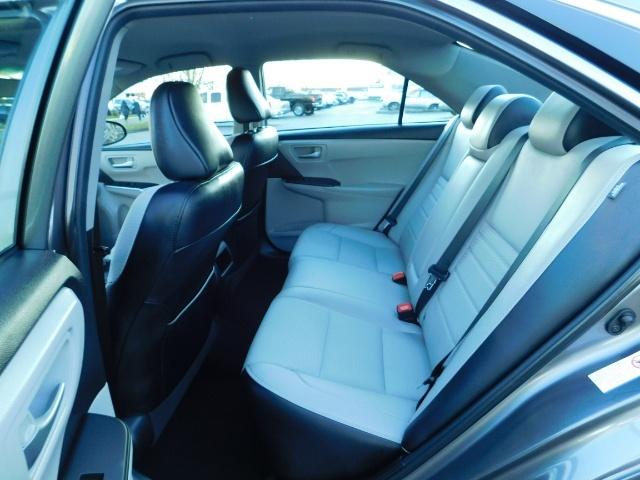 2017 Toyota Camry SE / 4DR Sedan / Backup camera / ONLY 14K MILES - Photo 15 - Portland, OR 97217