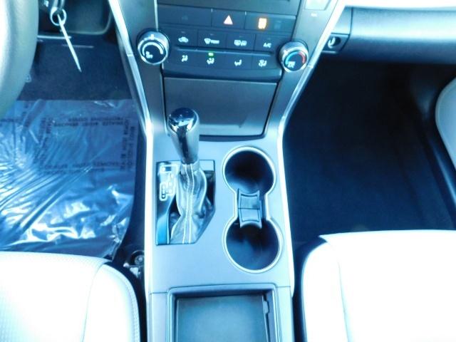 2017 Toyota Camry SE / 4DR Sedan / Backup camera / ONLY 14K MILES - Photo 18 - Portland, OR 97217