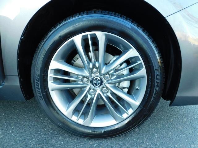 2017 Toyota Camry SE / 4DR Sedan / Backup camera / ONLY 14K MILES - Photo 21 - Portland, OR 97217