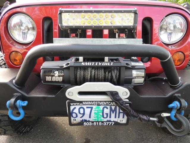 2011 Jeep Wrangler Unlimited Sport / 4X4 / 6-SPEED / LIFTED - Photo 7 - Portland, OR 97217