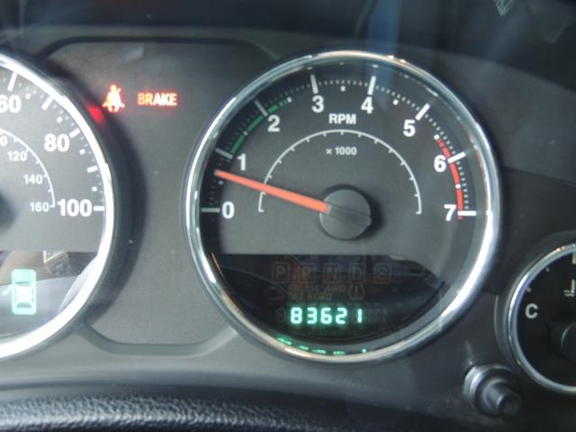 2011 Jeep Wrangler Unlimited Sport / 4X4 / 6-SPEED / LIFTED - Photo 37 - Portland, OR 97217