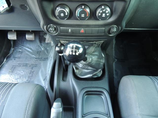 2011 Jeep Wrangler Unlimited Sport / 4X4 / 6-SPEED / LIFTED - Photo 20 - Portland, OR 97217