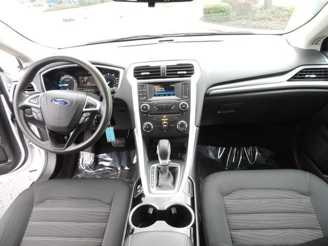 2016 Ford Fusion SE / Sedan / Back up camera / Excel Cond - Photo 18 - Portland, OR 97217