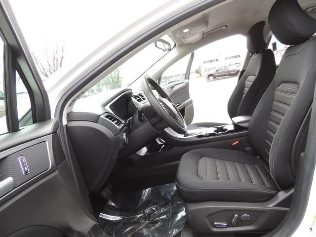 2016 Ford Fusion SE / Sedan / Back up camera / Excel Cond - Photo 14 - Portland, OR 97217
