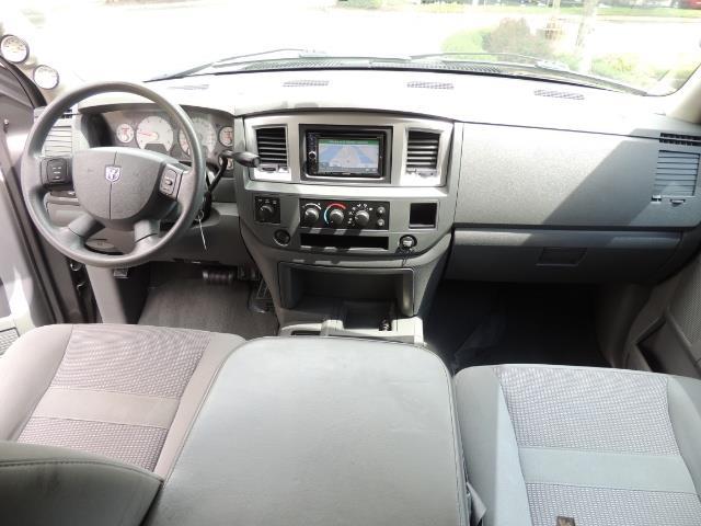 2007 Dodge Ram 2500 SLT 4dr Mega Cab / 4X4 /5.9L DIESEL /NAVI/ LIFTED - Photo 38 - Portland, OR 97217