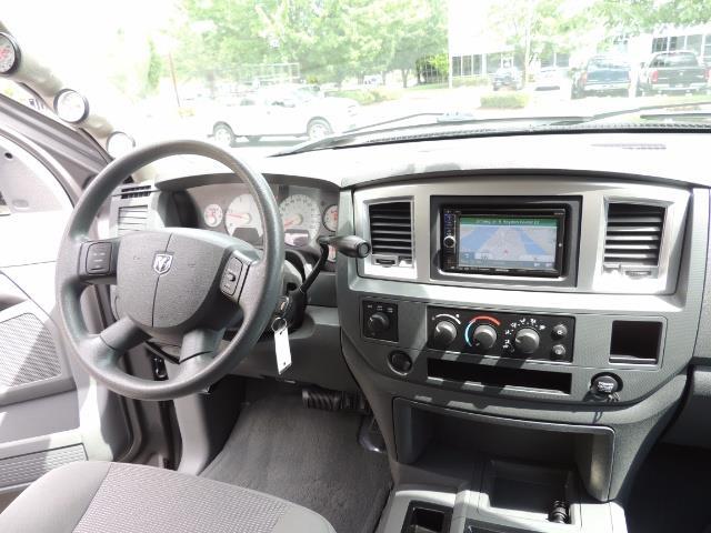2007 Dodge Ram 2500 SLT 4dr Mega Cab / 4X4 /5.9L DIESEL /NAVI/ LIFTED - Photo 18 - Portland, OR 97217