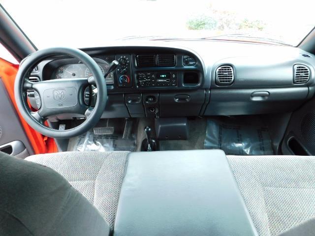 2001 Dodge Ram 2500 SLT / 4X4 / 5.9L CUMMINS DIESEL 1-OWNER LOW MILES - Photo 17 - Portland, OR 97217
