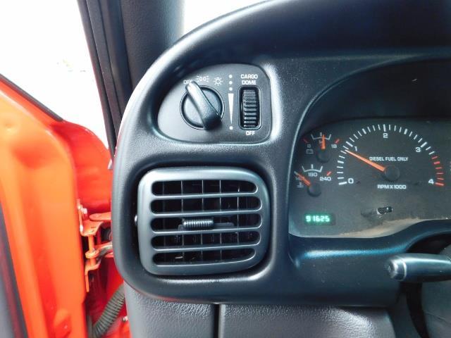 2001 Dodge Ram 2500 SLT / 4X4 / 5.9L CUMMINS DIESEL 1-OWNER LOW MILES - Photo 38 - Portland, OR 97217